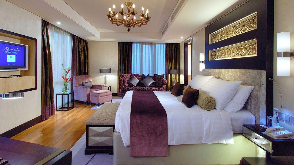 Kempinski hotel mall of the emirates marutzzi for Gucci hotel dubai