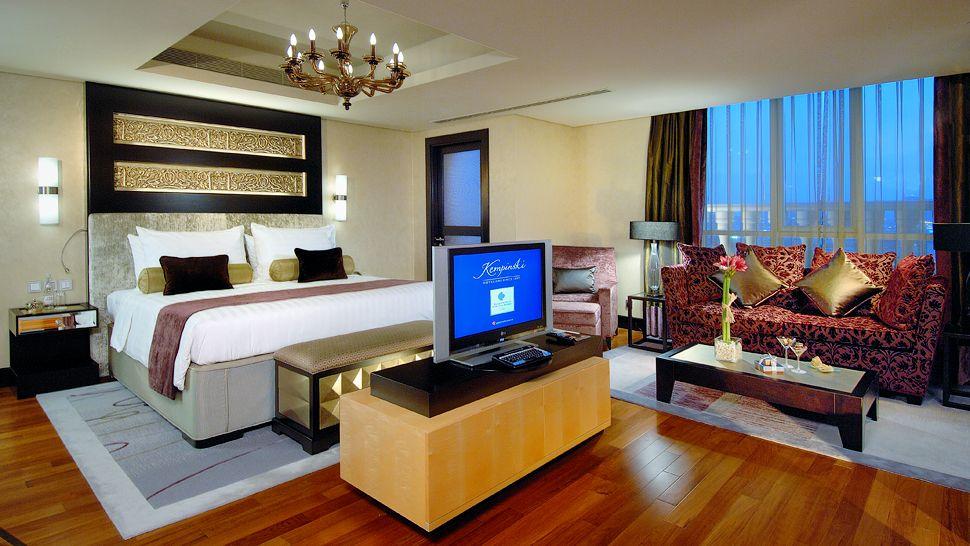 Kempinski hotel mall of the emirates marutzzi for Bedroom designs dubai