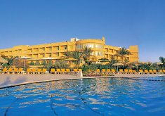 Al Hamra Fort Hotel & Beach Resort*****